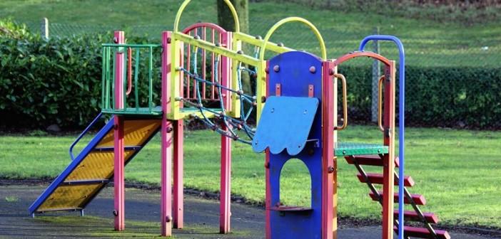 Údržba detského ihriska, farebný náter