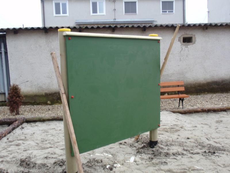 detske ihrisko ZŠ Veľké Kapušany, Fábryho, 2011