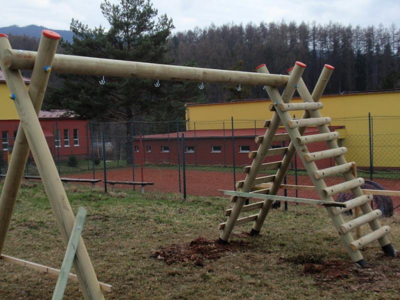 detske ihrisko ZŠ Zemplínske Hámre, 2011