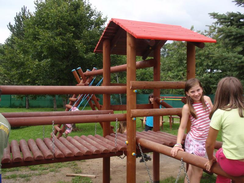 detske ihrisko Obec Bzovík, 2011