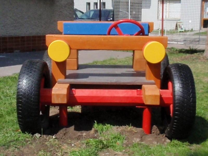 detske ihrisko MŠ Liptovský Mikuláš, Nábrežie 4.apríla, 2011