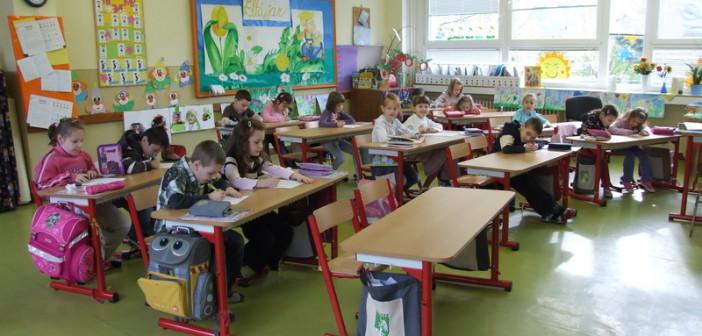 Certifikát - školské lavice a stoličky Dina
