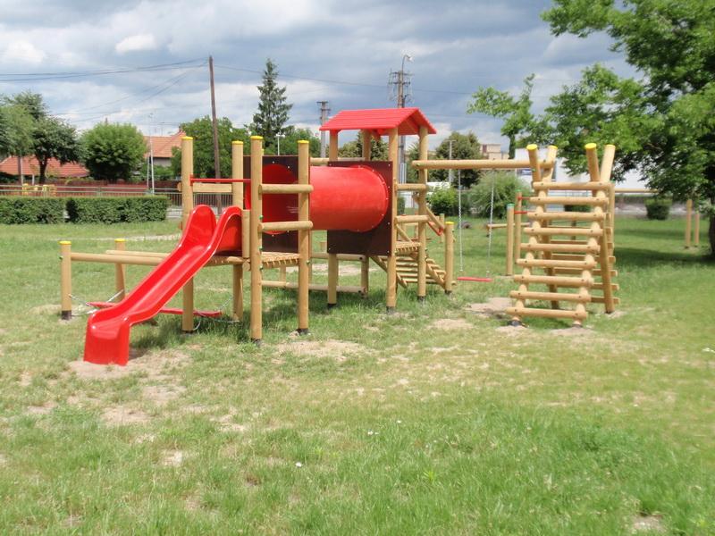 detske ihrisko ZŠ Zohor, 2011