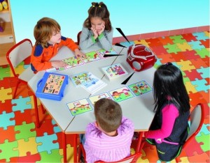 Už od roku 1986 firma Akros Interdidak vytvára edukačné hry