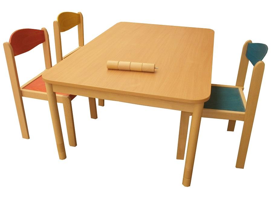 Tradičné stoličky z Pravenca pre materské školy
