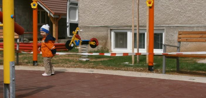detske ihrisko Obec Nitrica, 2012