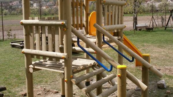 detske ihrisko Obec Hrhov, 2012